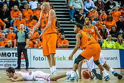24-11-2017 NED: WC qualification Netherlands - Croatia, Almere<br /> First Round - Group D at the arena Topsportcentrum / Nick Oudendag #14 of Netherlands, Leon Williams #5 of Netherlands