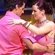 NLD/Naarn/20070331 - 1e Live uitzending Dancing with the Stars 2007, Aukje van Ginneken en danspartner Remco Bastiaansen