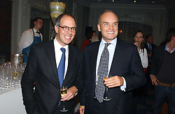 Left to right, LOYD GROSSMAN and NICHOLAS COLERIDGE at the Tatler Restaurant Awards in association with Champagne Louis Roederer held at the Four Seasons Hotel, Hamilton Place, London W1 on 10th January 2005.<br /><br /><br />NON EXCLUSIVE - WORLD RIGHTS