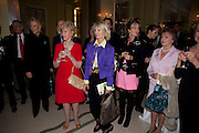 ROBERT LACEY; PRINCES MICHAEL OF KENT; ELIZABETH AITKEN, Book launch of Lady Annabel Goldsmith's third book, No Invitation Required. Claridges's. London. 11 November 2009