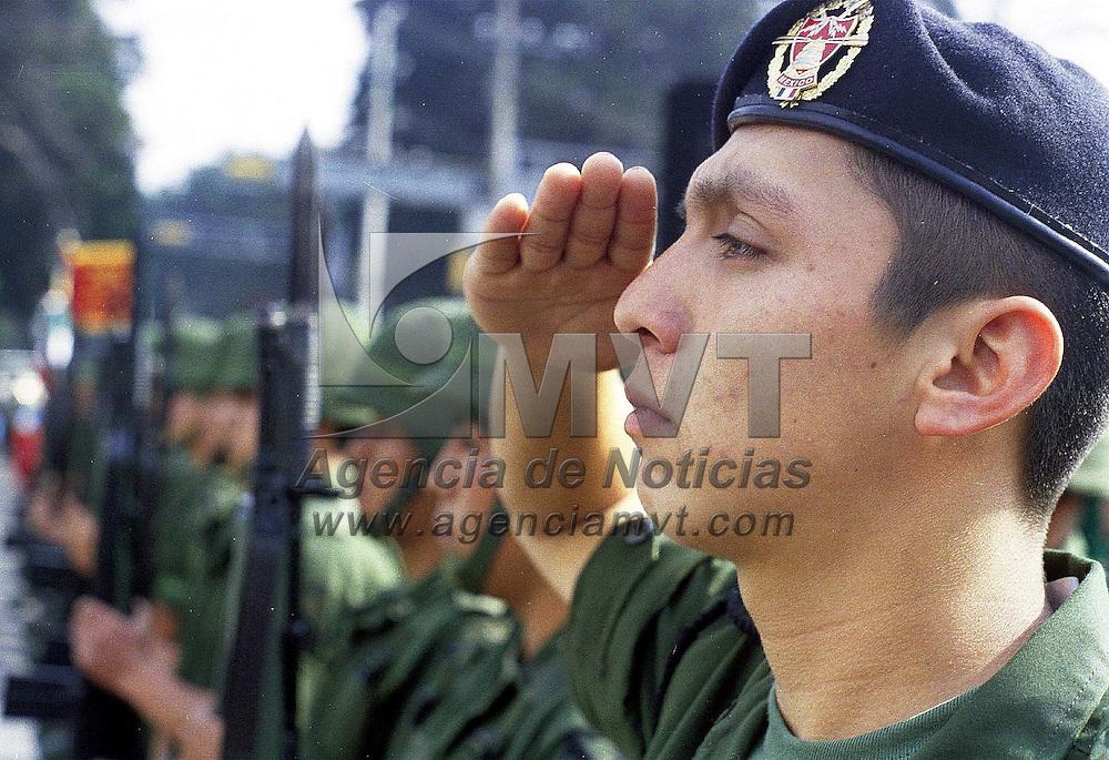Toluca, Méx.- Durante la ceremonia conmemorativa de la defensa del castillo de Chapultepec. Agencia MVT / Mario B. Arciniega