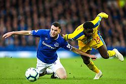 Jeffrey Schlupp of Crystal Palace takes on Michael Keane of Everton - Mandatory by-line: Robbie Stephenson/JMP - 21/10/2018 - FOOTBALL - Goodison Park - Liverpool, England - Everton v Crystal Palace - Premier League