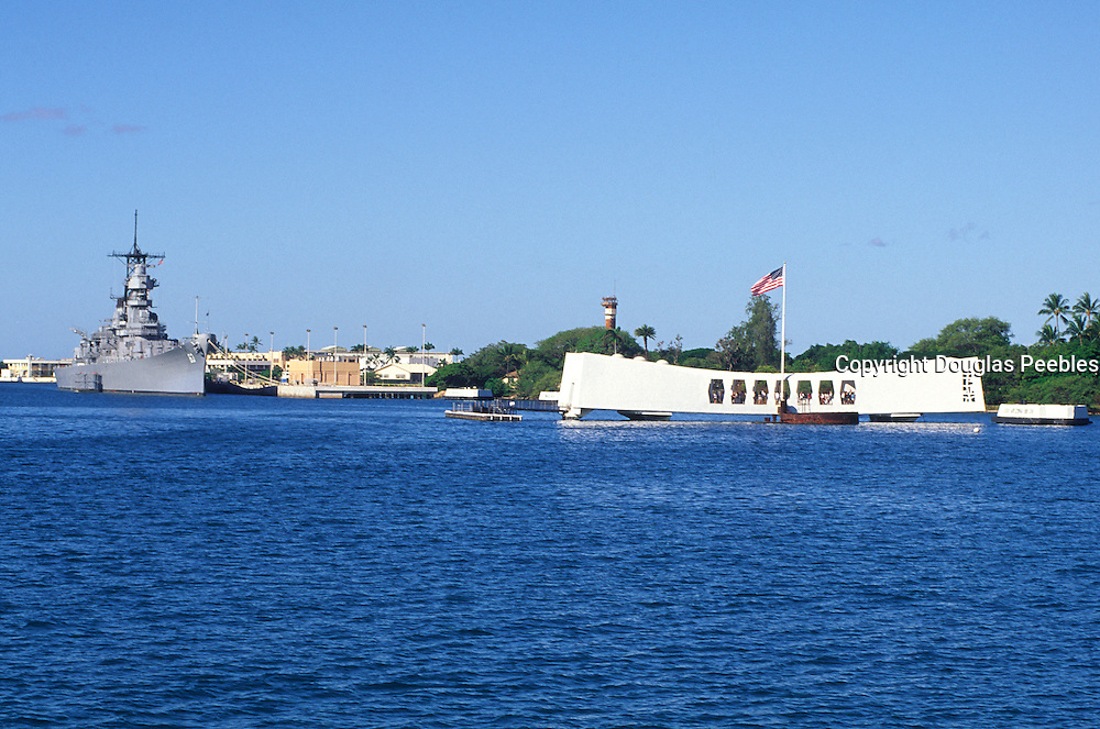 USS Arizona and USS Missouri, Pearl Harbor, Oahu, Hawaii<br />