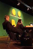 """06.03.1999, Deutschland/Erfurt:<br /> Joschka Fischer, B90/Grüne, Bundesaußenminister, und Kerstin Müller, Fraktionsvorsitzende B90/Grüne im Bundestag, auf dem Bundesdelegiertenkonferenz von Bündnis 90/Die Grünen unter dem Motte """"Entschieden europäisch"""", Messe, Erfurt<br /> IMAGE: 19990306-01/06-10<br /> KEYWORDS: Parteitag, party congress"""