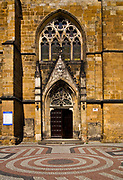 Kościół Narodzenia Najświętszej Marii Panny, Złotoryja - wejście, Polska<br /> Church of the Nativity of the Virgin Mary in Złotoryja - entrance, Poland