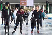 Kick-off De Hollandse 100 2020 op de Jaap Edenbaan voor de zesde editie van De Hollandse 100, die dit jaar op 15 maart in Thialf wordt gehouden. Het evenement heeft als doel de financiering van wetenschappelijk onderzoek naar de aard en behandeling van lymfklierkanker te steunen. <br /> <br /> Op de foto: Marichelle de Jong en Prins Bernhard
