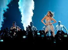 OCT 7 2012 Jennifer Lopez Concert Madrid