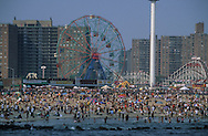 New York . Brooklyn. Coney island ; Brighton Beach the boardwalk  / Coney island ; Brighton Beach  New York - Etats Unis