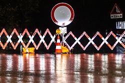THEMENBILD - Strassensperre in der Unwetternacht von Montag 29. Oktober auf Dienstag 30. Oktober. Montag, 29. Oktober 2018 Tirol, Österreich // Roadblock in the thunderstorm night from Monday 29. October to Tuesday 30. October. Monday, October 29, 2018 in Schlaiten, Austria. EXPA Pictures © 2018, PhotoCredit: EXPA/ Johann Groder