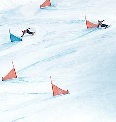 24.02.2018, Phoenix Snow Park, Bokwang, KOR, PyeongChang 2018, Snowboard, Herren, Parallel Riesenslalom, im Bild Sangho Lee (KOR, 2. Platz), Nevin Galmarini (SUI, 1. Platz) // silver medalist Sangho Lee of Republic of Korea gold medalist and Olympic champion Nevin Galmarini of Switzerland during the men's Snowboard Parallel Riesenslalom of the Pyeongchang 2018 Winter Olympic Games at the Phoenix Snow Park in Bokwang, South Korea on 2018/02/24. EXPA Pictures © 2018, PhotoCredit: EXPA/ Johann Groder