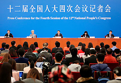 Chinese Premier Li Keqiang (C, back) meets the press at the Great Hall of the People in Beijing, capital of China, March 16, 2016. EXPA Pictures © 2016, PhotoCredit: EXPA/ Photoshot/ Zhang Cheng<br /> <br /> *****ATTENTION - for AUT, SLO, CRO, SRB, BIH, MAZ, SUI only*****