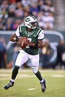 September 22, 2014: New York Jets quarterback Geno Smith (7) rolls out of the pocket during the first quarter a NFL American Football Herren USA matchup between the Chicago Bears and the New York Jets at MetLife Stadium in East Rutherford, NJ The Bears defeated the 27-19. NFL American Football Herren USA SEP 22 Bears at Jets PUBLICATIONxINxGERxSUIxAUTxHUNxRUSxSWExNORxONLY Icon781140922117<br /> <br /> September 22 2014 New York Jets Quarterback Geno Smith 7 Rolls out of The Pocket during The First Quarter A NFL American Football men USA matchup between The Chicago Bears and The New York Jets AT MetLife Stage in East Rutherford NJ The Bears defeated The 27 19 NFL American Football men USA Sep 22 Bears AT Jets PUBLICATIONxINxGERxSUIxAUTxHUNxRUSxSWExNORxONLY