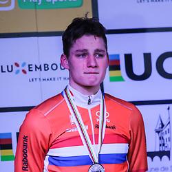 29-01-2017: Wielrennen: Wereldkampioenschap veldrijden: Luxemburg<br />BIELES (LUX) cyclocross<br />Teleurstelling bij Mathieu van der Poel