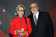 Doris Dörrie mit Lebensgefährte Martin Moszkowicz auf dem Roten Teppich anlässlich der Verleihung des 41. Bayerischen Filmpreises 2019 am 17.01.2020 im Prinzregententheater München.