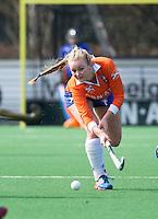 BLOEMENDAAL - Pien Hulsebosch van Bloemendaal tijdens de overgangsklasse competitiewedstrijd hockey tussen de vrouwen van Bloemendaal en Zwolle (2-0). COPYRIGHT KOEN SUYK