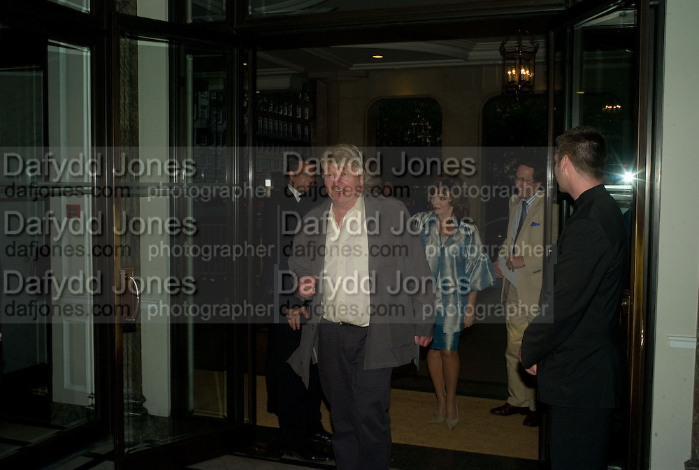 STANLEY JOHNSON, The Spectator 180th Anniversary party, at the Churchill Hotel, London, 7 May 2008.  *** Local Caption *** -DO NOT ARCHIVE-© Copyright Photograph by Dafydd Jones. 248 Clapham Rd. London SW9 0PZ. Tel 0207 820 0771. www.dafjones.com.