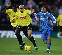 Fotball<br /> Championship England 2004/05<br /> Watford v Cardiff<br /> 28. desember 2004<br /> Foto: Digitalsport<br /> NORWAY ONLY<br /> JOBI MCANUFF HOLDS OF GAVIN MAHON