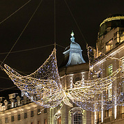 Decorazioni natalizie in Regent Street<br /> .<br /> Christmas decorations in Regent Street<br /> .<br /> @regentstreetw1