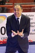 DESCRIZIONE : Campionato 2015/16 Giorgio Tesi Group Pistoia - Openjobmetis Varese<br /> GIOCATORE : Moretti Paolo<br /> CATEGORIA : Allenatore Coach Mani Delusione<br /> SQUADRA : Giorgio Tesi Group Pistoia<br /> EVENTO : LegaBasket Serie A Beko 2015/2016<br /> GARA : Giorgio Tesi Group Pistoia - Openjobmetis Varese<br /> DATA : 13/12/2015<br /> SPORT : Pallacanestro <br /> AUTORE : Agenzia Ciamillo-Castoria/S.D'Errico<br /> Galleria : LegaBasket Serie A Beko 2015/2016<br /> Fotonotizia : Campionato 2015/16 Giorgio Tesi Group Pistoia - Openjobmetis Varese<br /> Predefinita :