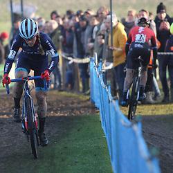 27-12-2019: Wielrennen: DVV veldrijden: Loenhout: Katie Compton: Annemarie Worst