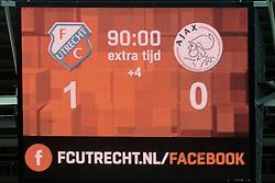 13-12-2015 NED: FC Utrecht - AFC Ajax, Utrecht<br /> Utrecht verslaat Ajax opnieuw in de Galgenwaard 1-0 / scorebord geeft nog 4 minuten blessure tijd aan