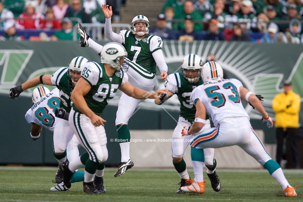 New York's Ben Graham punts the ball in the first half of the New York Jets vs Miami Dolphins match-up at Giants Stadium Sun., Oct. 15, 2006.  Robert Caplin For The New York Times<br />