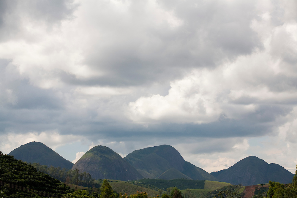 Irupi_ES, Brasil...Vista panoramica ao lado de trecho da Rota Imperial...The panoramic view of next to the Imperial route...Foto: LEO DRUMOND / NITRO