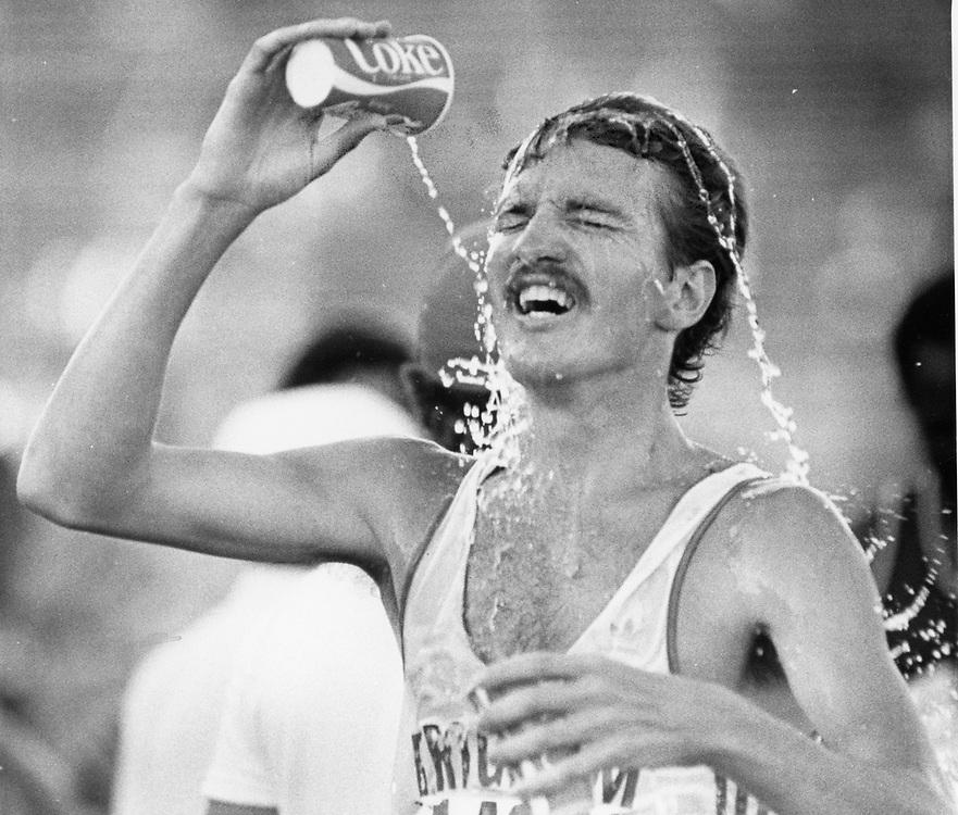 ©1992 NCAA Track in Austin, Texas  Oregon distance runner