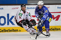 16.03.2011, Olympia Eisstadion, Muenchen, GER, DEL Pre-Playoff, EHC Muenchen vs Koelner Haie , im Bild  Daniel Sparre (Koeln #20) und Kyle Helms (EHC#41) , EXPA Pictures © 2011, PhotoCredit: EXPA/ nph/  Straubmeier       ****** out of GER / SWE / CRO  / BEL ******
