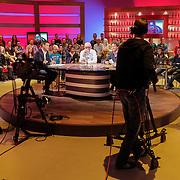 NLD/Hilversum/20120326 - Uitzending van RTL sportprogramma Voetbal international, Wilfred Genee, Rene van der Gijp en Emile Schelvis en Johan Derksen