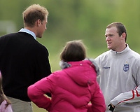Photo: Paul Thomas.<br /> England Training Session. 01/06/2006.<br /> <br /> England star Wayne Rooney meets Prince William.