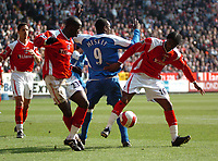 Photo: Tony Oudot.<br />Charlton Athletic v Wigan Athletic. The Barclays Premiership. 31/03/2007.<br />Souleymane Diawara and Alexandre Song of Charlton disposess Emile Heskey of Wigan