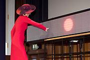 Koningin Maxima woont in het Koninklijk Instituut voor de Tropen de lancering bij van het Oncode Institute, een onafhankelijk virtueel instituut waarin kankeronderzoekers in Nederland zich verenigen. <br /> <br /> Queen Maxima attends the launch of the Oncode Institute at the Royal Tropical Institute, an independent virtual institute in which cancer researchers in the Netherlands unite.