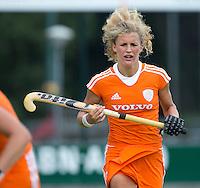 EINDHOVEN - Maria Verschoor, zaterdag bij de oefenwedstrijd tussen het Nederlands team van Jong Oranje Dames en dat van de Vernigde Staten. Volgende week gaat het WK-21 in Duitsland van start. FOTO KOEN SUYK