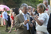 Alan Duncan, Conservative Party, Summer party, Royal Hospital Chelsea, Royal Hospital Road, London, SW3,3 July 2006. ONE TIME USE ONLY - DO NOT ARCHIVE  © Copyright Photograph by Dafydd Jones 66 Stockwell Park Rd. London SW9 0DA Tel 020 7733 0108 www.dafjones.com