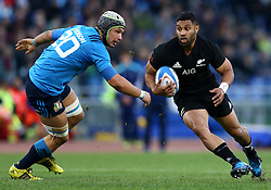 November 12, 2016 - Rome, Italy - Lima Sopoaga of the New Zealand All Blacks and Francesco Minto of the Italy Rugby during the international rugby match between New Zealand and Italy at Stadio Olimpico on November 12, 2016 in Rome, Italy. (Credit Image: © Arts Culture And Entertainment/NurPhoto via ZUMA Press)
