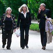 NLD/Amsterdam/20110729 - Uitvaart actrice Ina van Faassen, Nelly Frijda en Cox Habbema