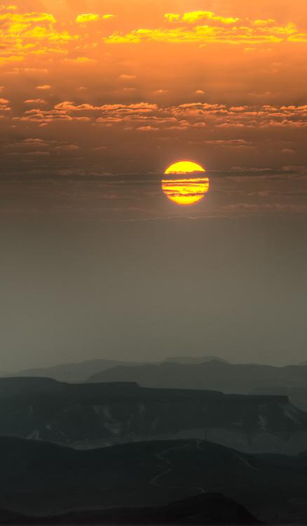 Sunrise in the desertSunrise over in the desert