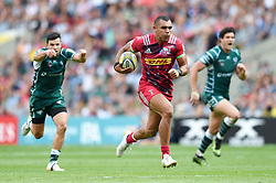 Joe Marchant of Harlequins runs in a first half try - Mandatory byline: Patrick Khachfe/JMP - 07966 386802 - 02/09/2017 - RUGBY UNION - Twickenham Stadium - London, England - London Irish v Harlequins - Aviva Premiership