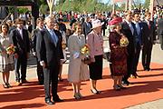 Koninginnedag 2007 in het vestingsstadje Woudrichem / Queensday 2007 in the small village Woudrichem.<br /> <br /> Op de foto / On the Photo;<br /> <br />  Koningin/Queen Beatrix , Prof.mr. Pieter van Vollenhoven en  Prinses Margriet en Willem Alexander