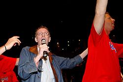 02-06-2003 NED: Huldiging bekerwinnaar FC Utrecht, Utrecht<br /> De spelers en de technische staf kregen een rondrit door de stad in een open Engelse dubbeldekker. Om 20.30 uur keert de stoet terug in Galgenwaard en zal in het stadion de officiële huldiging plaatsvinden / Herman Berkien