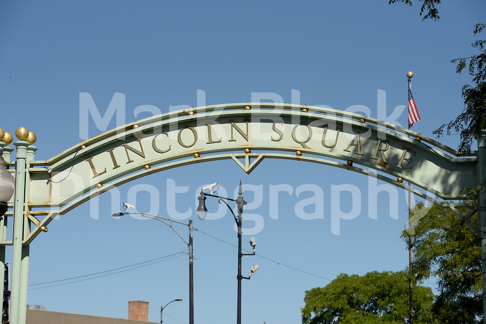 Lincoln Square at Lawrence Ave and Western Ave in Chicago on Friday, Sept. 4, 2020. Photo by Mark Black