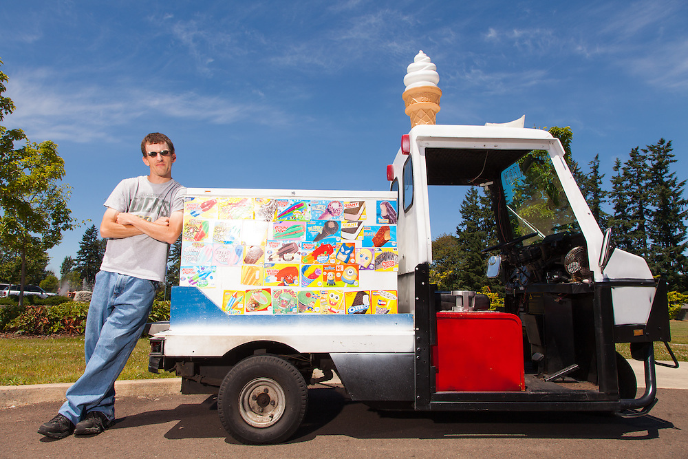 Skinny Mike of Keizer Ice Cream with Cushman ice cream trike in Salem Oregon