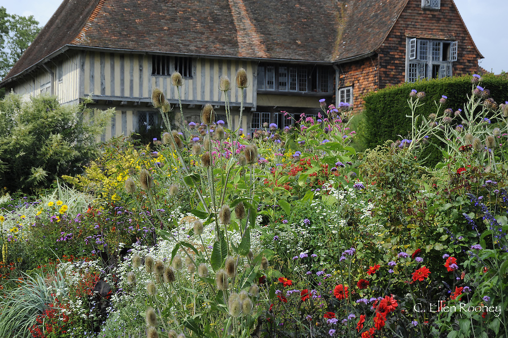 Great Dixter house and border