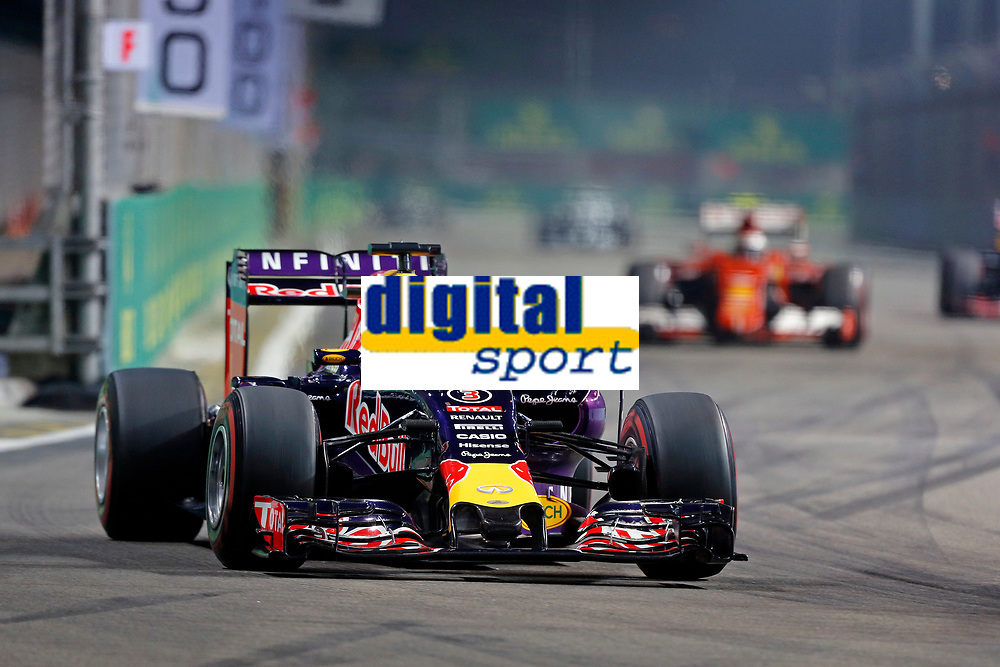 RICCIARDO Daniel (aus) red bull renault rb11 action during the 2015 Formula One World Championship, Singapore Grand Prix from September 16th to 20th 2015 in Singapour. Photo Francois Flamand / DPPI