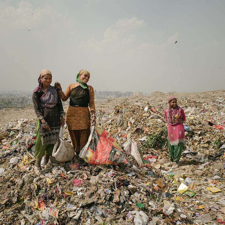 The Ghazipur open air garbage dump in Delhi. The constantly burning garbage creates toxic fumes that spread through the city.<br /> Garbage trucks can carry 3T and do about 800 trips a day.