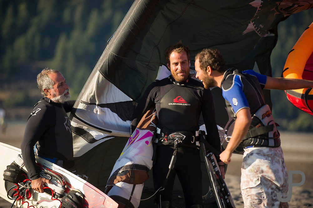 Affonso and Fernando talk to a friend from Mexico who is also up kiteboarding in Hood River.