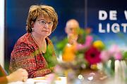 VEENENDAAL, 23-04-2021, Info Support, hoofdkantoor Nederland<br /> <br /> Koningin Maxima, lid van het Nederlands Comite voor Ondernemerschap, en SER-voorzitter Mariëtte Hamer tijdens een werkbezoek aan de regio Gelderse Vallei. Het bezoek staat in het teken van de gevolgen van de coronacrisis voor de arbeidsmarkt. Brunopress/Patrick van Emst <br /> Op de foto: Mariëtte Hamer Sociaal-Economische Raad