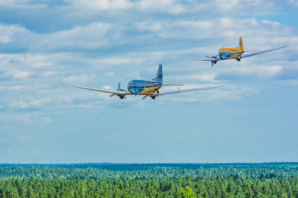 "Douglas DC-3 1942 ""Hotelli"" OH-LCH<br /> Jämi Fly In & Airshow 2013<br /> petrijuola.com"