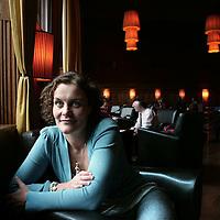 "Nederland, Amsterdam , 2 oktober 2009..Marieke Stellinga, redacteur van de redactie Economie van Elsevier..Stellinga is schrijfster van ""De mythe van het glazen plafond""..Marieke Stellinga, writer of the book: ""The myth of the glass ceiling"""